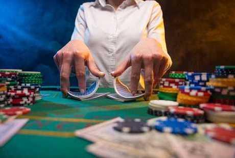 オンラインカジノでは損切りが大切!ズルズル続く負け癖をなくそう!のサムネイル