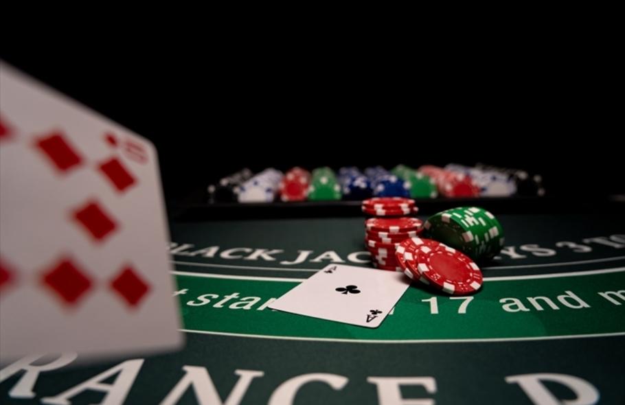 ポーカーの基本アクション「コール」を徹底解説!そのほかの専門用語もご紹介サムネイル