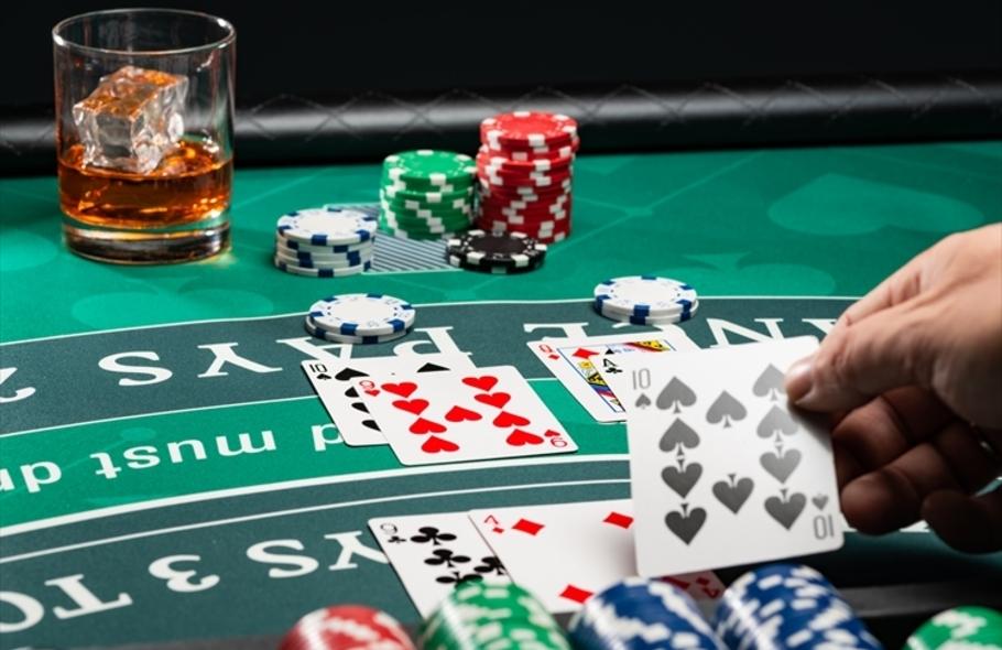 ポーカーのオールインはいつ使う?効果やメリット、注意点を徹底解説しますサムネイル