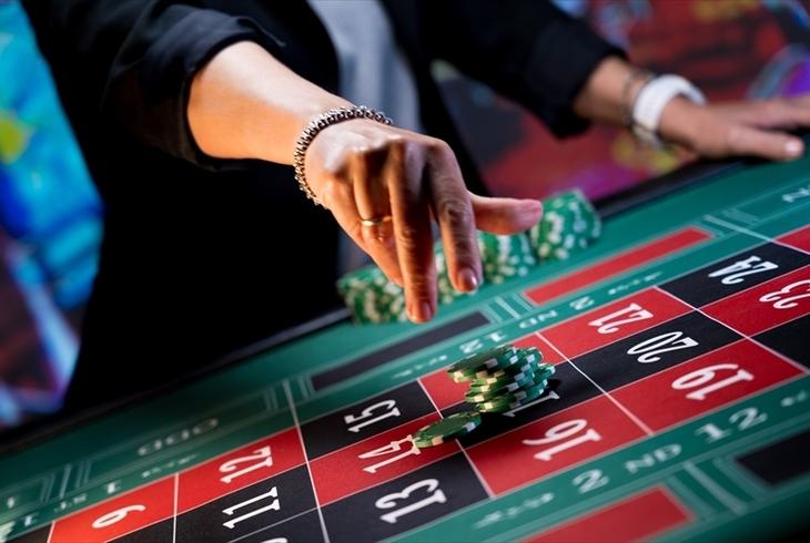 ハイローラーはカジノでどんな優遇を受けられる?オンラインカジノの特典も併せてご紹介しますのサムネイル