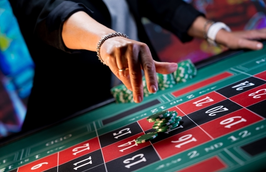 ハイローラーはカジノでどんな優遇を受けられる?オンラインカジノの特典も併せてご紹介しますサムネイル