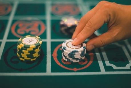 カジノが合法なのはどんな国?日本人におすすめの国やコロナ禍の遊び方をご紹介のサムネイル