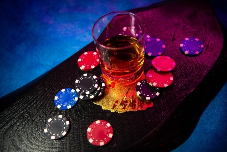 ラスベガスのカジノ事情とは?おすすめホテルや街の魅力、注意点までご紹介のサムネイル
