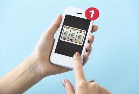 オンラインカジノはアプリでもプレイ可能!メリットや注意点、対応サイトをご紹介のサムネイル