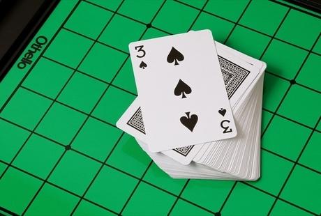 トランプの闇ゲーム「バサ」とは?ルールや危険とされる理由、類似するゲームについても徹底解説のサムネイル